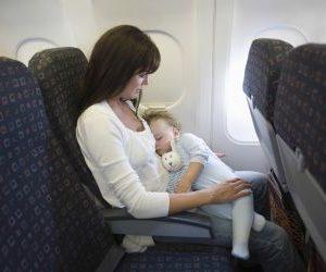 Как лететь с младенцем в самолете: советы и рекомендации родителям